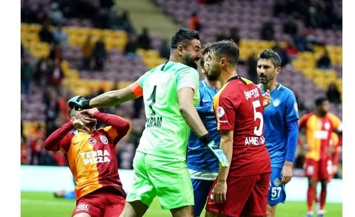 "Galatasaray evinde ""Darmaduman"""