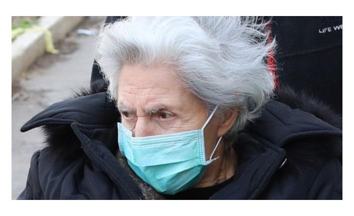 Koronavirüs: Kimler risk grubunda yer alıyor, yaşlılar ve hamileler risk altında mı?