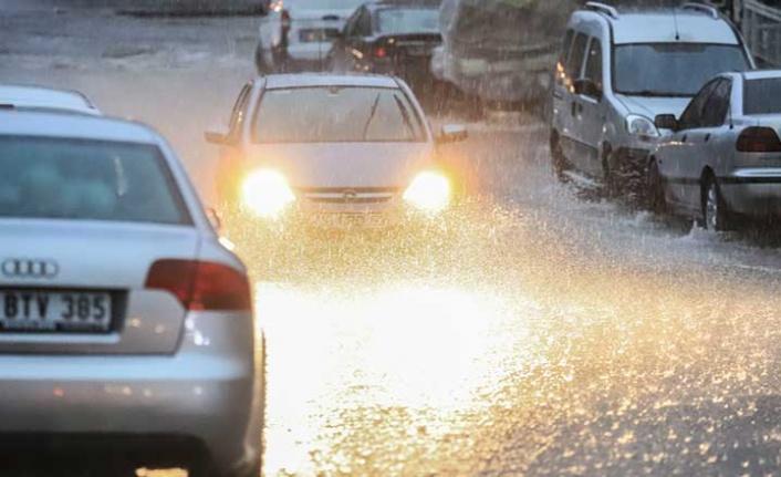 Ankara'da etkili olan yağış haftasonu da devam edecek