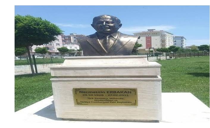 Tekirdağ'daki Necmettin Erbakan'ın büstü olay oldu!