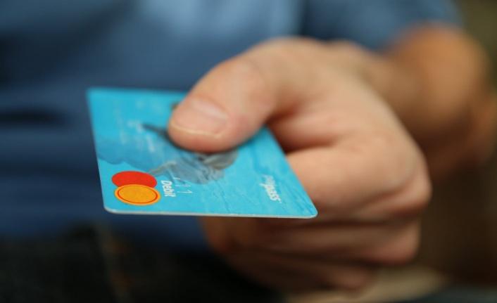 Öğrenciye Kredi Kartı Veren Bankalar Hangileridir?