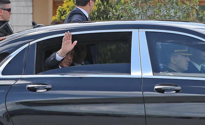 Erdoğan'ın makam araçlarının başka ülkelere götürülmesi