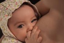 Anne Sütü Saklanır Mı?