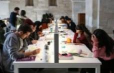 Üniversiteye e kayıt nasıl yapılır? Üniversite kayıtları nasıl yapılacak? Üniversiteye kayıt için gerekli belgeler neler?