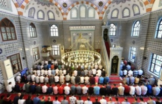 Ankara'da cuma namazı kılmak isteyenlerin alması...