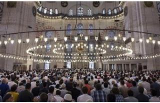 Ankara'da cuma namazı kılınacak cami avluları...