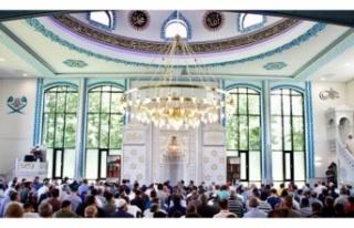 Camilerin cemaatle namaza açılacağı tarih belli...