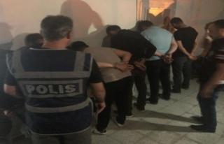 Ankara'da kaçak pavyon baskınında 36 kişiye...