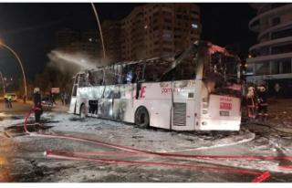 Yolcu Otobüsü Alev Aldı:1 ölü