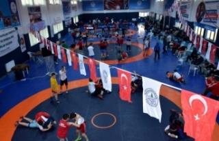 Kızılcahamam'da Rıza Doğan Güreş Turnuvası...