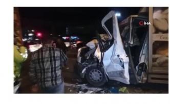 Ankara'da ekmek dağıtım aracı kaza yaptı