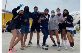 Dominikten getirilen Survivor yarışmacıları yurda yerleştirilerek karantinaya alındı